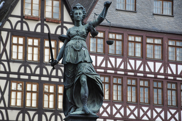 Justitia von Robert, Public Domain